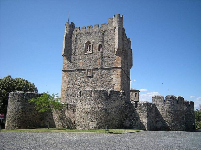 Torre de Menagem @ pt.wikipedia.org
